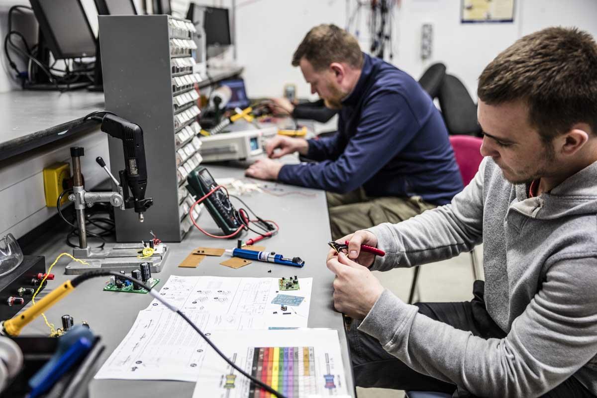 https://www.dfei.ie/uploads/course/electronics.jpg